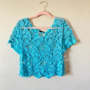 Verty Blue Crochet Cropped Short Sleeve Top Small